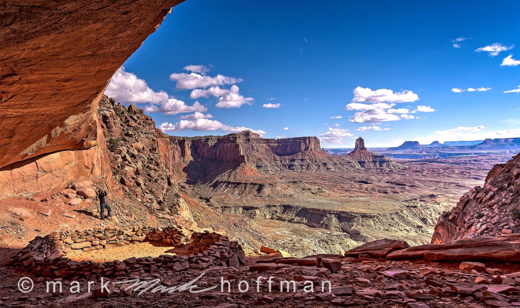 Mark_Hoffman_20140512_0208_09_10_PFX8_psd_cap1_var1.jpg